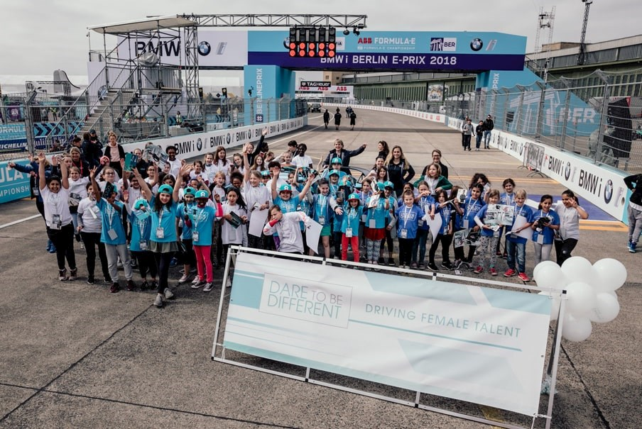 group photo of the participants in a formula e activity day