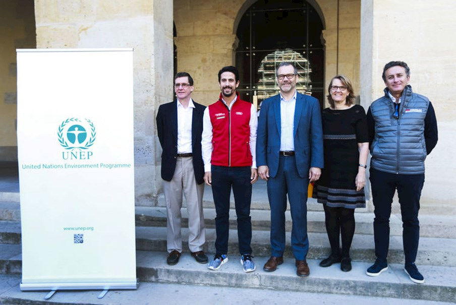 racing driver Lucas Di Grassi with Formula E chair Alejandro Agag and UNEP staff